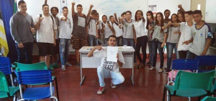 Estudantes fundam grêmio em escola de Volta Redonda