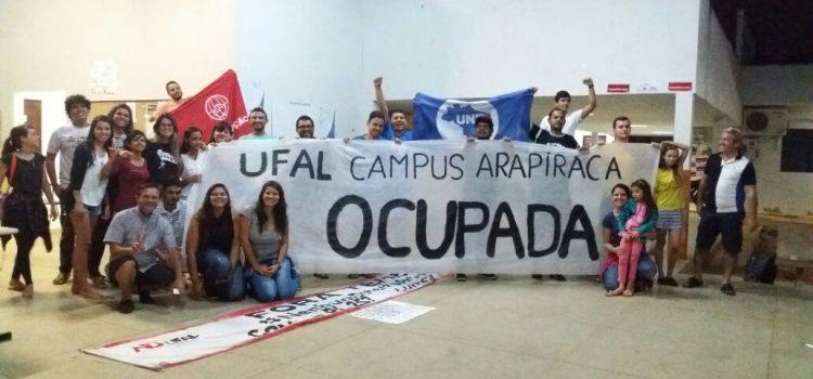 Em Arapiraca, os estudantes ocupam o Campus da UFAL