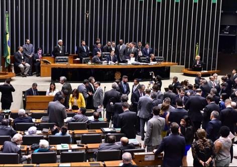 Sob pressão, Câmara rejeita proposta de cobrança na pós-graduação nas universidades públicas