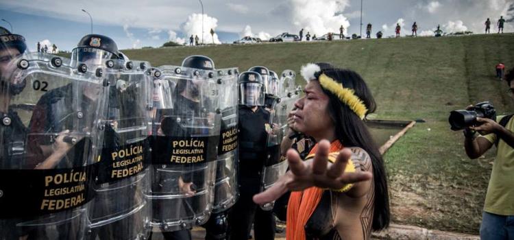 Semana de luta indígena sofre repressão em Brasília.