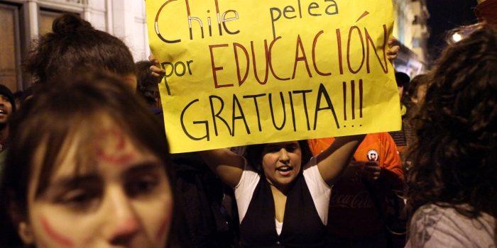 Após décadas, Chile aprova gratuidade do ensino superior