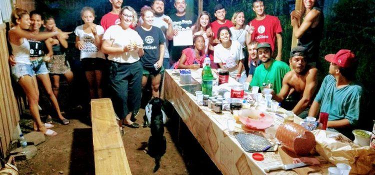 Em Santa Catarina, Juventude Revolução organiza oficina de camisetas em ocupação por moradia
