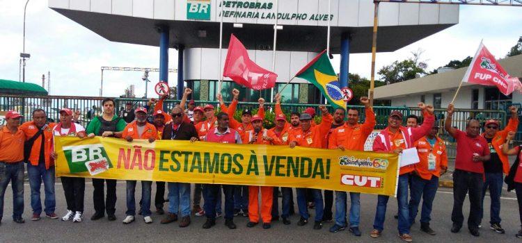 Todo apoio à greve dos Petroleiros!