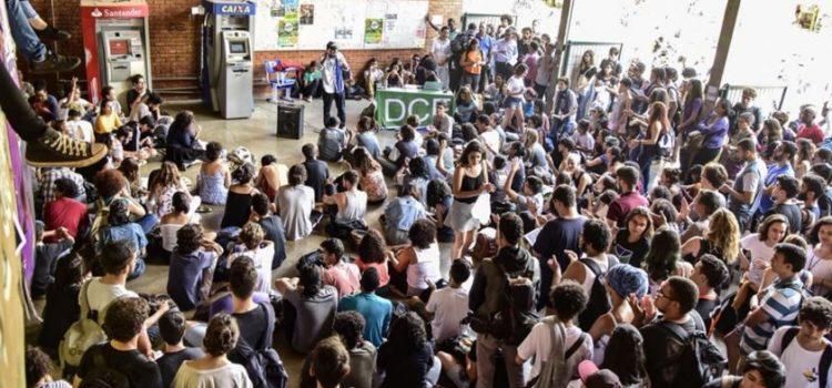 Greve dos estudantes na UNB por recomposição orçamentária!