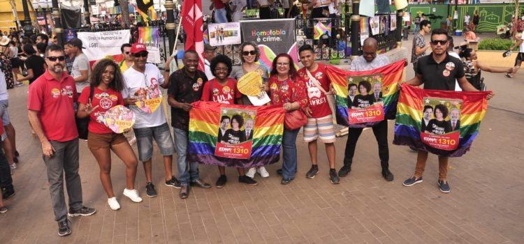 Na parada LGBT em Cuiabá, militante defende Haddad com constituinte!