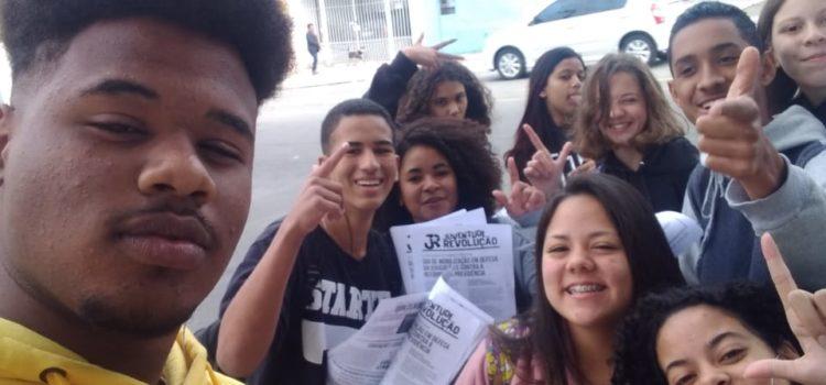 Em SP, jovens secundaristas mobilizam-se pro dia 13/08