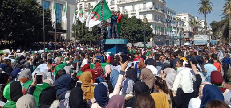 Estudantes são brutalmente reprimidos na Argélia