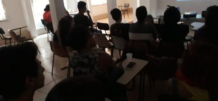 JRDOPT Realiza Cine Debate + Dogão do Lula em São Leopoldo
