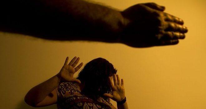 Aumento da violência doméstica em período de isolamento expõe realidade da mulher no Brasil